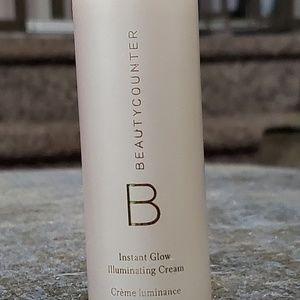 Beautycounter instant glow illuminating cream